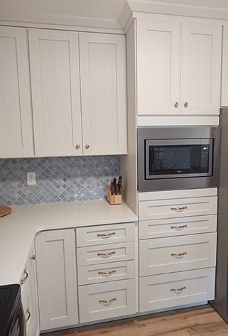 Oak Island Coastal Farmhouse Kitchen