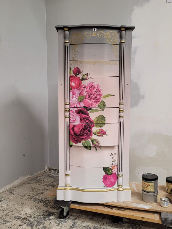 Floral Transfer on a Blush and Gray Jewelry Armoire Makeover