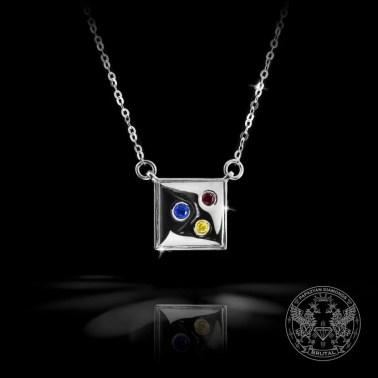 Златен медальон с диамант