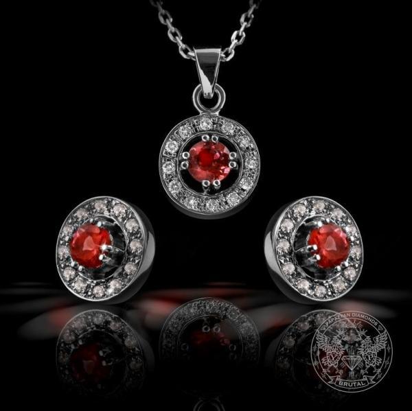 Комплект обeци и медальон с диаманти и червени сапфири