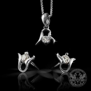 Комплект златни обеци и медальон с диаманти