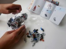 Lego Star Wars Microfighters Homing Spider Droid step 2