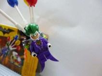 lego-batman-movie-joker-balloon-escape-11