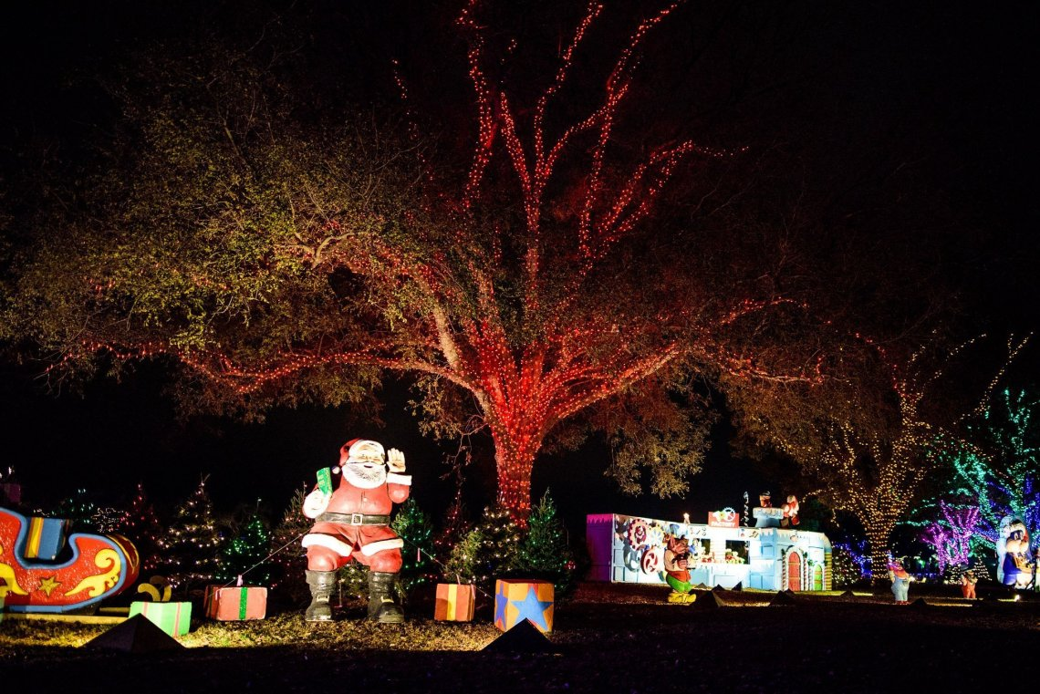 Trail of Lights, santa
