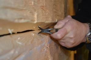 Skrapen lager to parallelle streker som skal møtes. Det er en vertikal parallell forskyvning