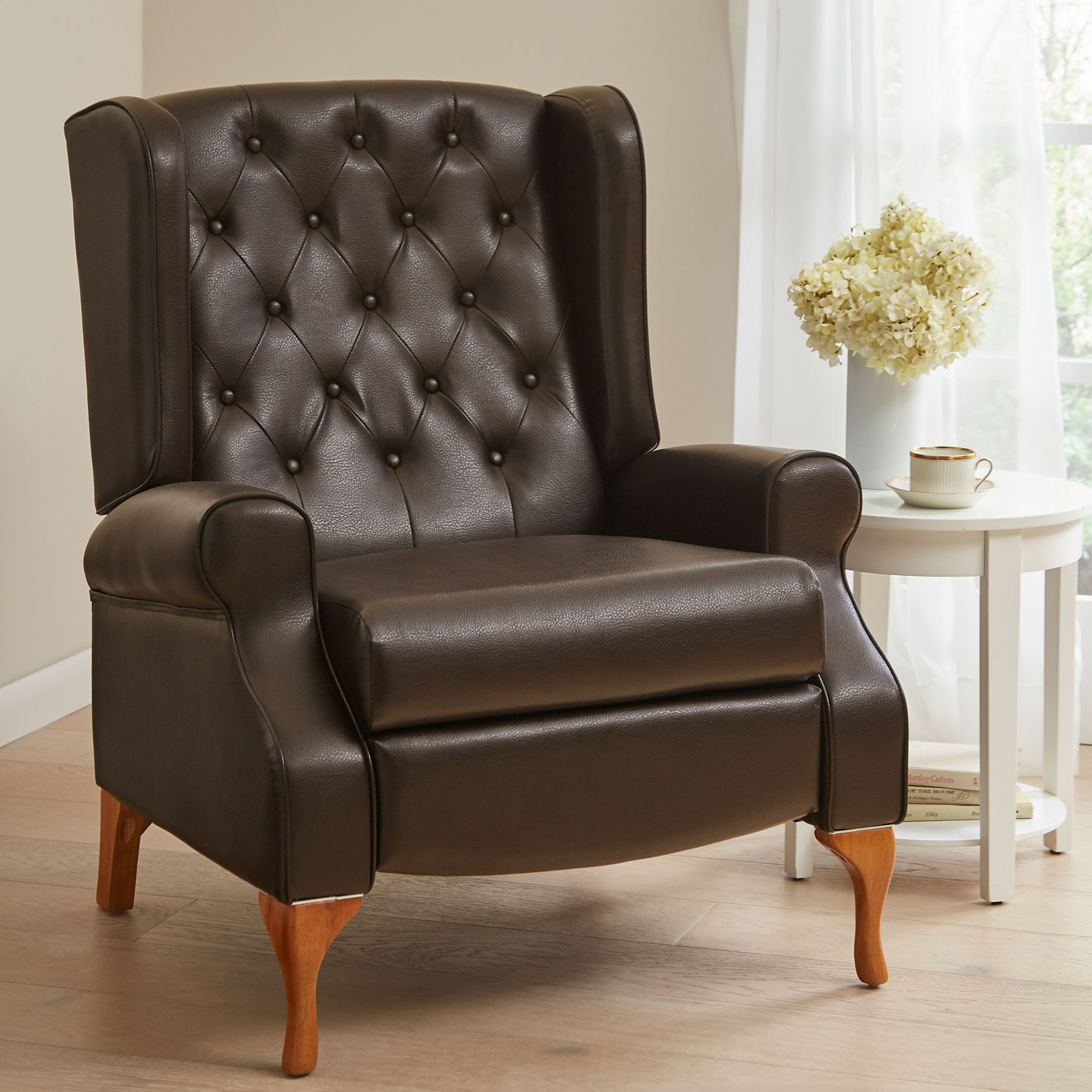 Wingback Tufted Chair Queen Anne Style Tufted Wingback Recliner