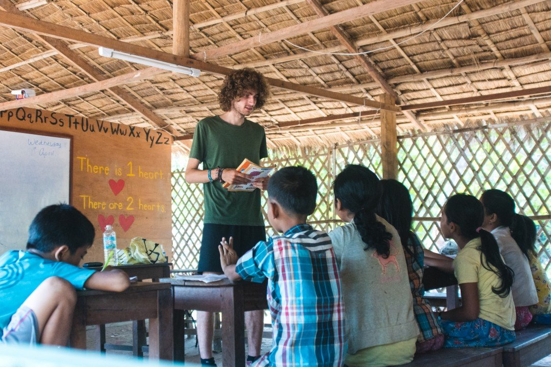 Class in session at the CESHEO Svay Thom