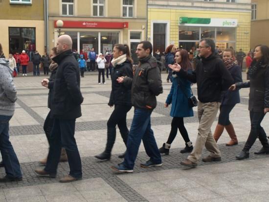 Tegoroczni maturzyści odtańczyli poloneza