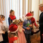 Dzieci Z Psp Nr 3 Z Yczeniami Wi Tecznymi U Burmistrza