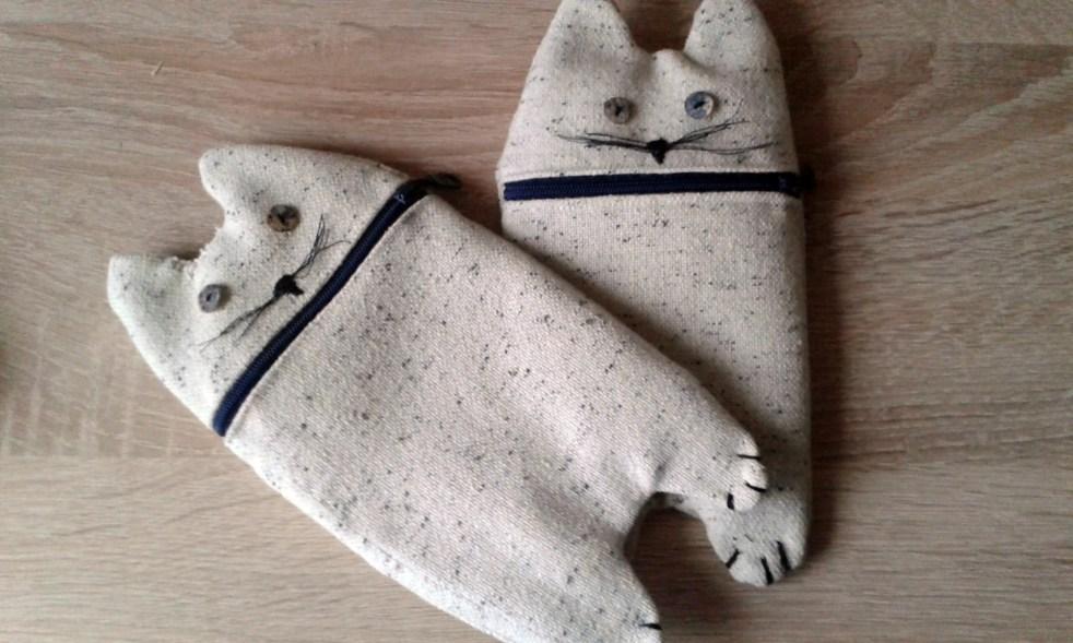 piórnik w kształcie kota