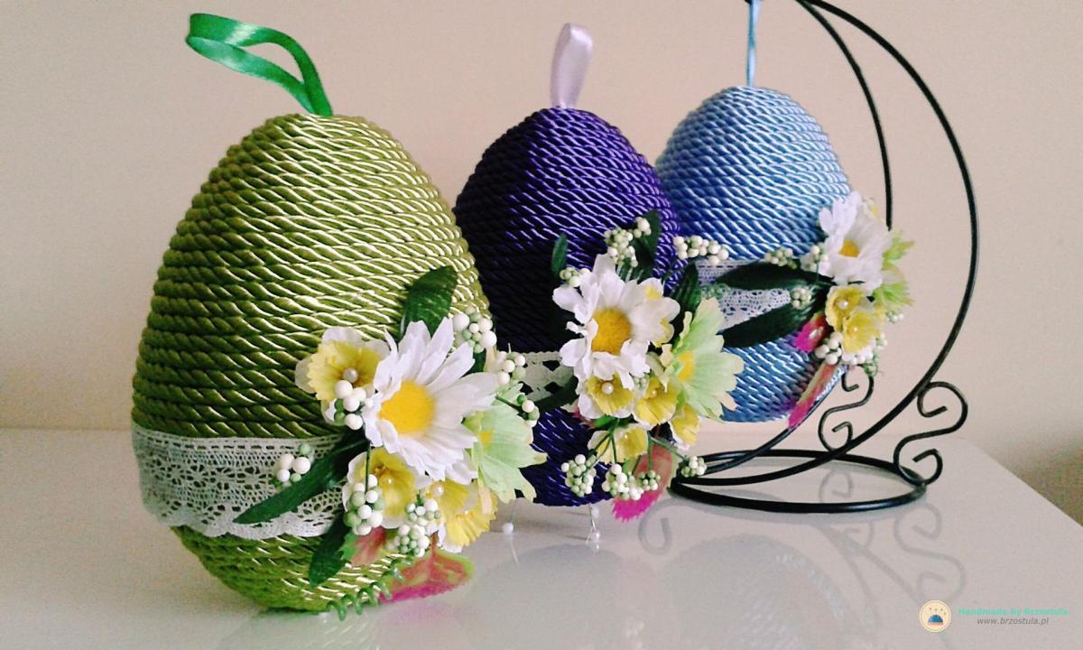 Jajko wielkanocne ze sznurka