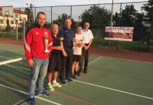 """Znamy zwycięzców II Turnieju Tenisa Ziemnego """"Masarnia Brzozie Cup"""" - zdjęcie grupowe"""