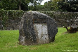 Nach nur einer Nacht machten wir uns auf den Weg nach Dublin, gleich nach der Abfahrt noch ein Zwischenstopp bei den Massengräbern der Lusitania-Tragödie.