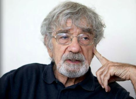 """Education as viewed from the biological matrix of human existence"" (2006) by Humberto Maturana and Ximena Paz Dávila"