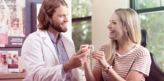 Sorriso alinhado: Oito fatos sobre o uso de alinhadores transparentes