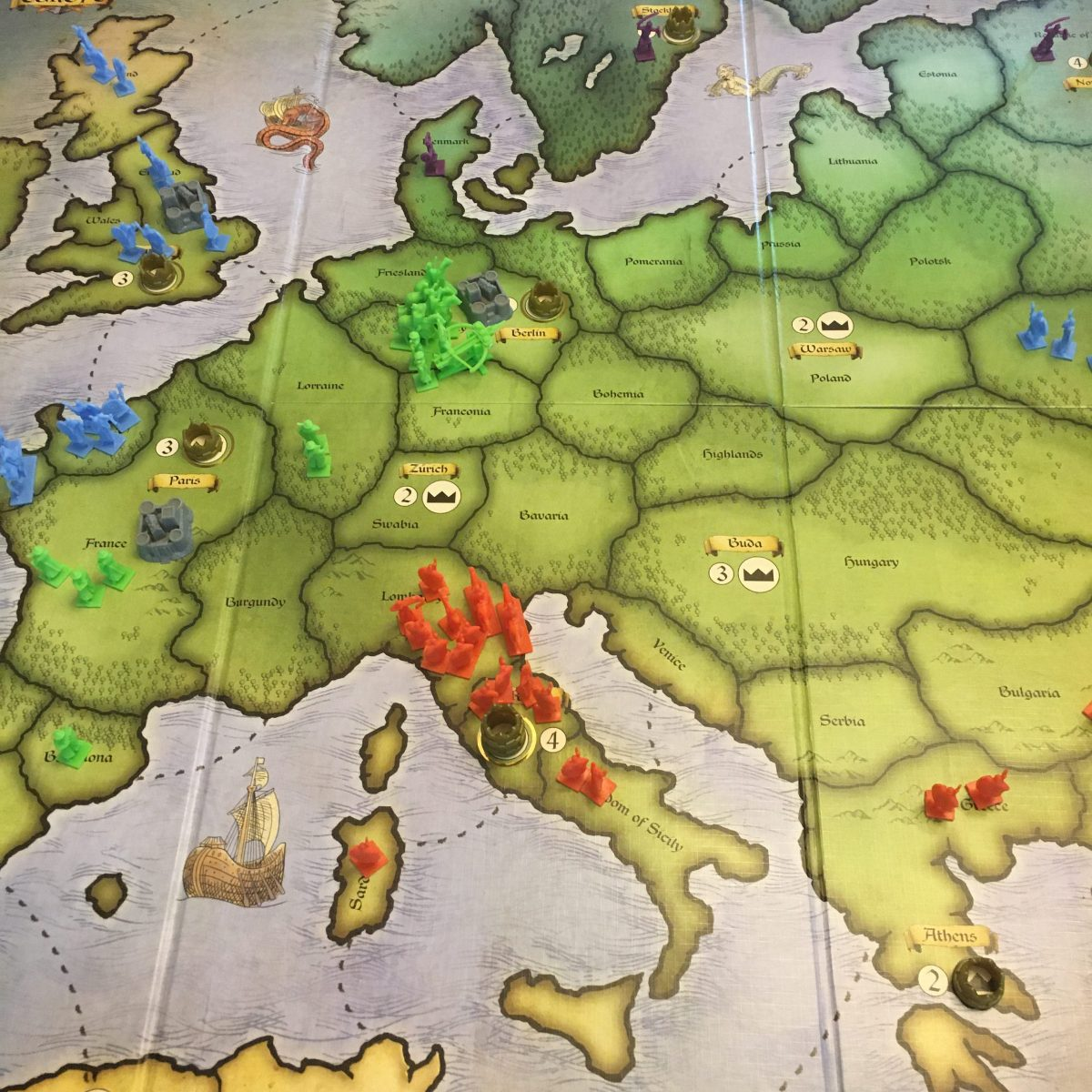 Turn 4 - Green overruns purple's territory
