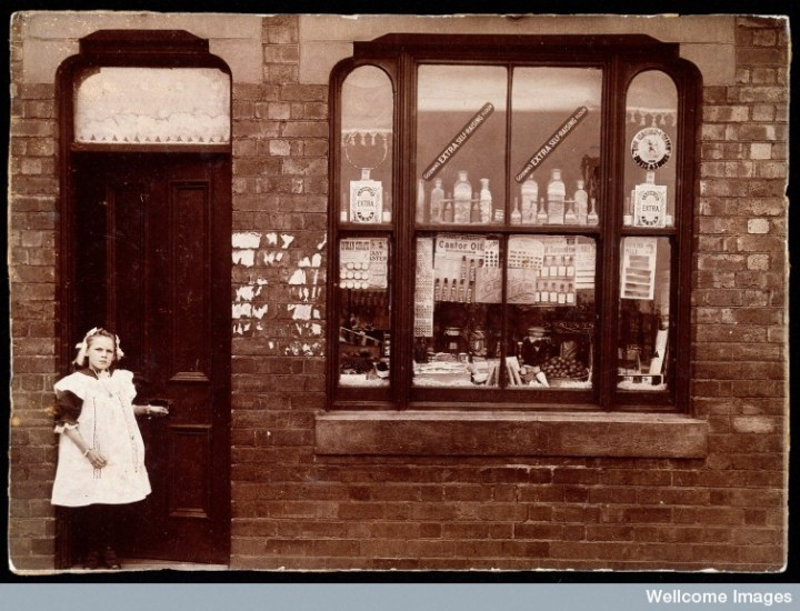 L0030356 A grocer's shop in England: doorway and shop window. Photogr Credit: Wellcome Library, London. Wellcome Images images@wellcome.ac.uk http://wellcomeimages.org A grocer's shop in England: doorway and shop window. Photograph. Photograph 1900 Published: [ca. 1900?] Copyrighted work available under Creative Commons Attribution only licence CC BY 4.0 http://creativecommons.org/licenses/by/4.0/