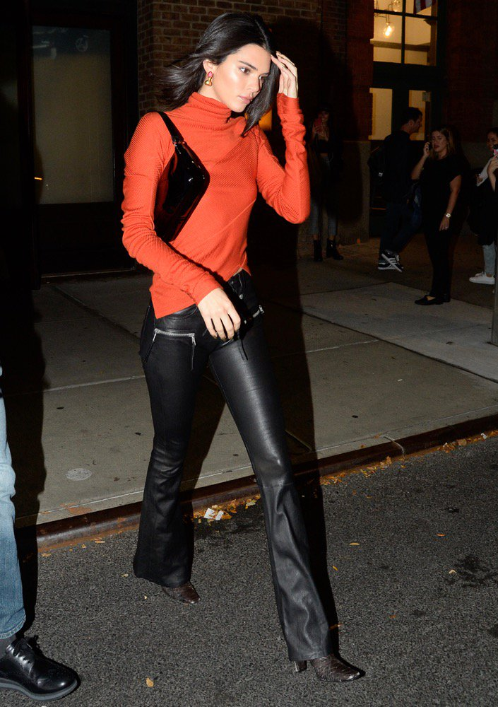 Kendall Jenner and her go-to short strap bag.