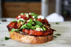 Roasted Garlic Steak Sandwich | bsinthekitchen.com #steak #sandwich #bsinthekitchen