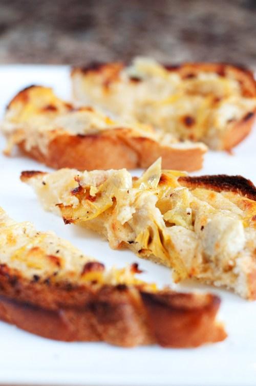 Cheesy Artichoke Bread | bsinthekitchen.com #appetizer #artichoke #bsinthekitchen
