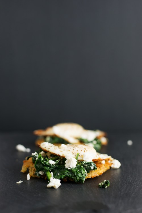 Feta Eggs Florentine on Hashbrown   bsinthekitchen.com #breakfast #brunch #bsinthekitchen