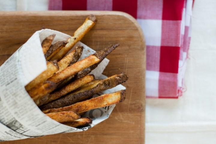Baked French Fries   bsinthekitchen.com #frenchfries #healthy #bsinthekitchen