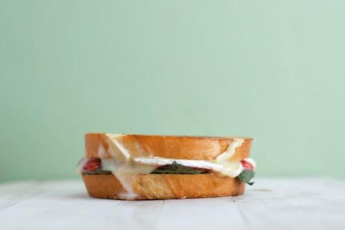 Strawberry, Balsamic, Basil, & Brie Grilled Cheese | bsinthekitchen.com #grilledcheese #sandwich #bsinthekitchen