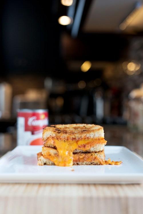 Tomato Soup Grilled Cheese | bsinthekitchen.com #grilledcheese #tomatosoup #bsinthekitchen
