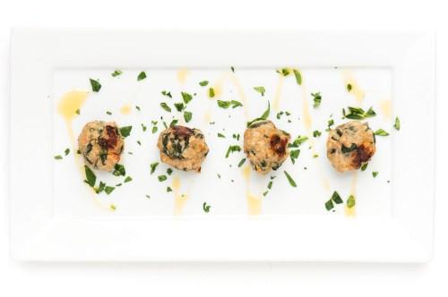 Turkey, Spinach & Bacon Meatballs   bsinthekitchen.com #dinner #healthy #bsinthekitchen