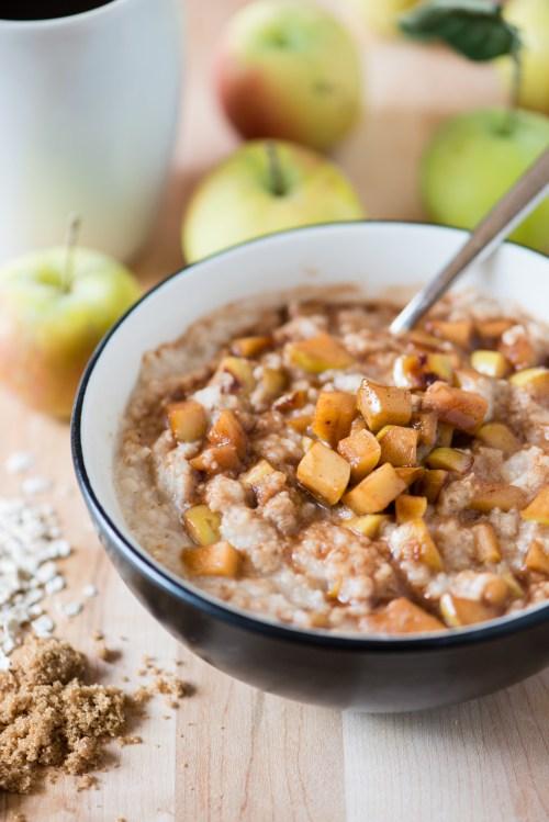 Apple Pie Oatmeal   bsinthekitchen.com #breakfast #apples #bsinthekitchen
