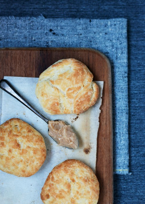 Buttermilk Biscuits  | bsinthekitchen.com #bsinthekitchen #biscuits #dinner