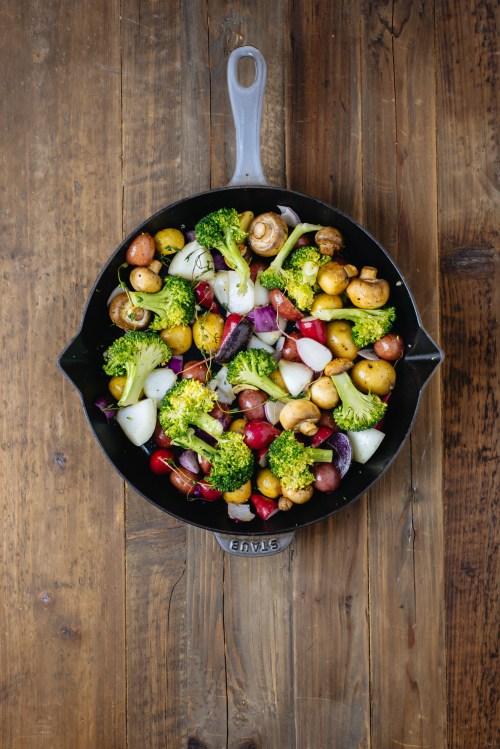 Thyme & Garlic Prime Rib | bsinthekitchen.com #primerib #dinner #bsinthekitchen
