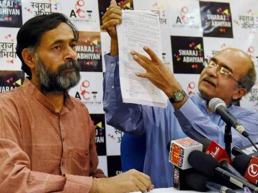 Swaraj Abhiyan leaders Prashant Bhushan and Yogendra Yadav addressing a press conference regarding AgustaWestland scam, in New Delhi