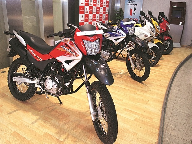 Bajaj Auto looks to rev up sales in FY18