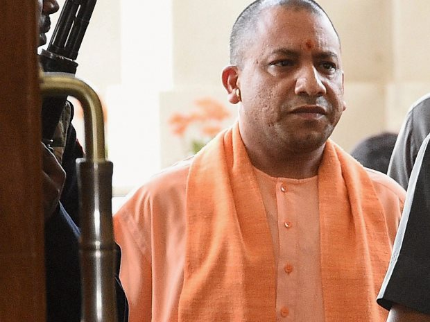 Yogi Adityanath to make surprise calls to catch UPs truant 'babus'