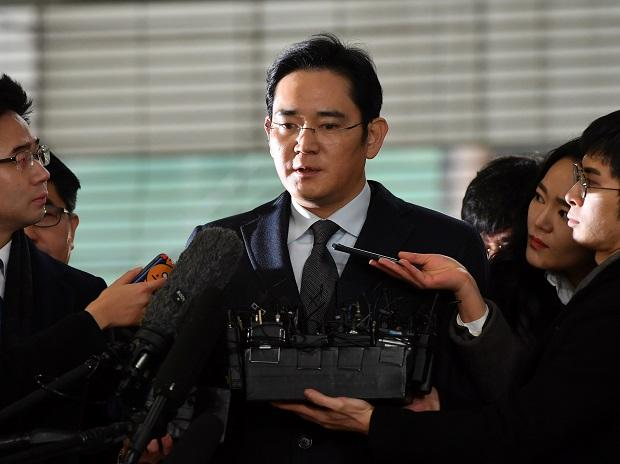 Samsung group heir should not be indicted, recommends South Korea panel