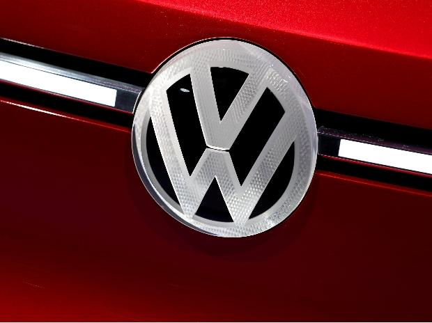 Four Volkswagen executives charged with embezzlement in Germany