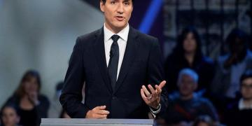 Justin Trudeau unveils new cupboard, inducts 4 Indo-Canadian ministers