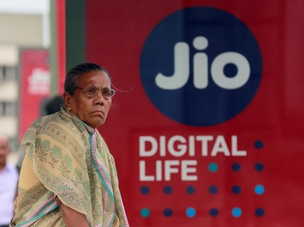 Jio Payments Bank Commences Operations After Receiving Rbi S Approval Business Standard News