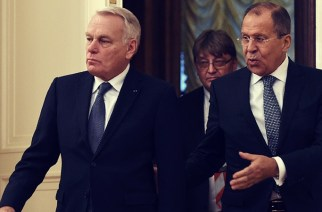 Russian Foreign Minister Sergei Lavrov has expressed Moscow's interest in a proposal put forward by UN Special Envoy for Syria Staffan de Mistura about escorting Takfiri terrorists out of the divided Syrian city of Aleppo.