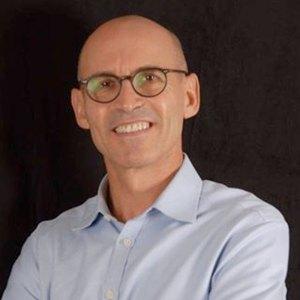 Dr Basil Mizrahi