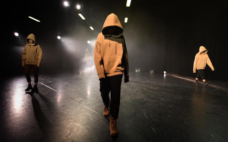 """Die Junge Agora ist Teil des Tanz-Theater Projekts """"Identity""""."""