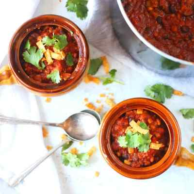 Thick and Hearty Easy Vegetarian Chili