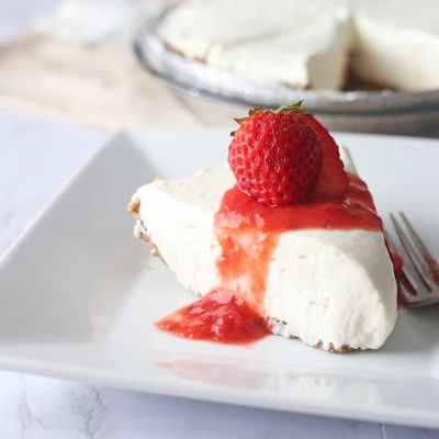 Low Carb Cheesecake with Strawberry Topping