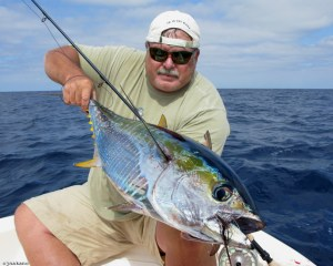Randy Norris with a nice Yellowfin Tuna off a kelp paddy