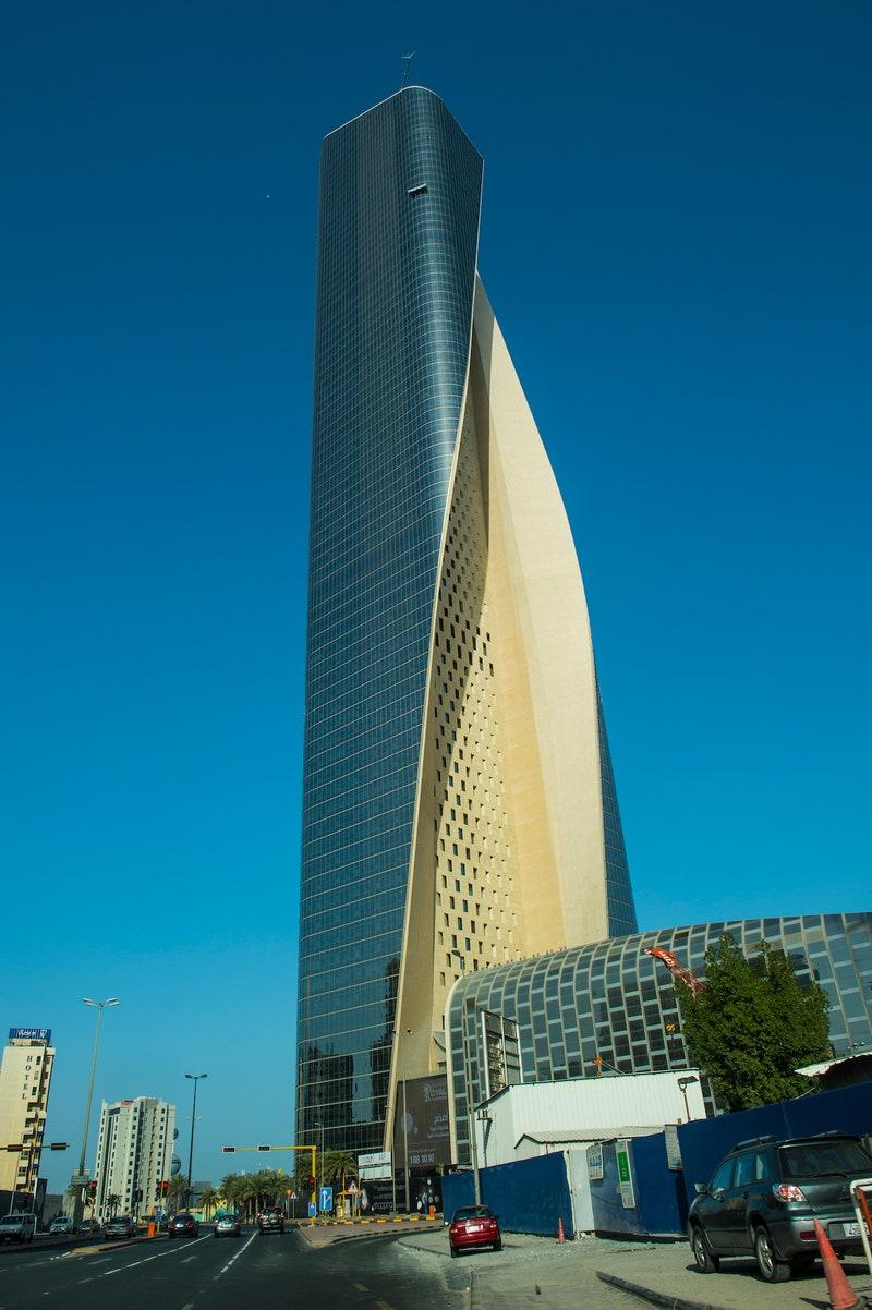 Tour Al Hamra - un gratte-ciel par temps clair