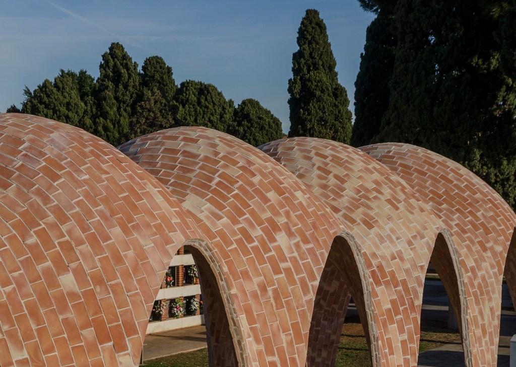 Chapelle mortuaire pour la famille Soriano Manzanet par Vegas&Mileto Architects , Vila-real, Espagne