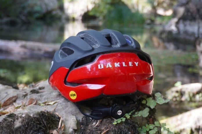 Capacete Oakley Aro 3