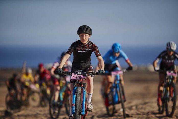 Luca Braidot E Caroline Bohé São Os Vencedores Da 4 Stage Mtb Race Lanzarote 2020
