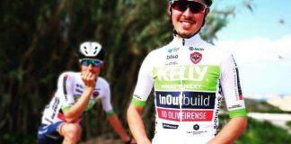 Kelly InOutBuild UDO com a Serra de Monchique superada